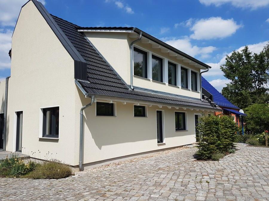 220 m² Wohnfläche mit großem Gartenbereich im begehrten Teltow-Seehof